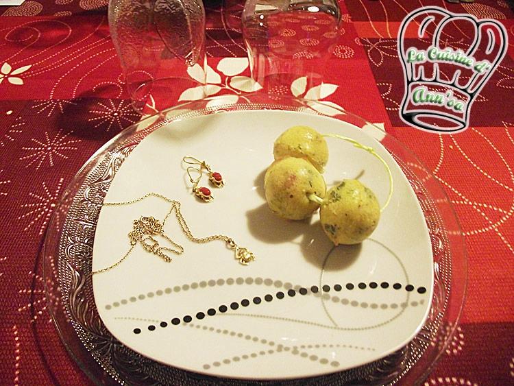Cake campagnard aux oignons, lardons et persil en cake pops annso-cuisine.fr AnnSo Cuisine