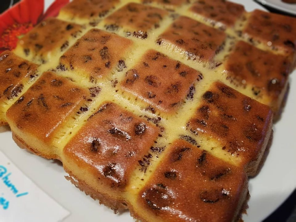 Gâteau rhum et raisins