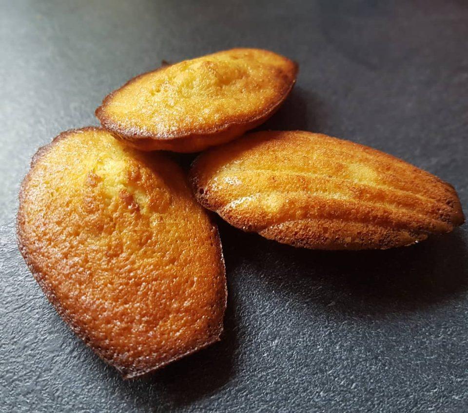 Madeleines à la banane et à la noix de coco